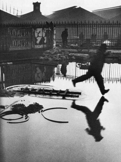 saint lazare 1932 von Henri Cartier-Bresson (1908-2004, France)